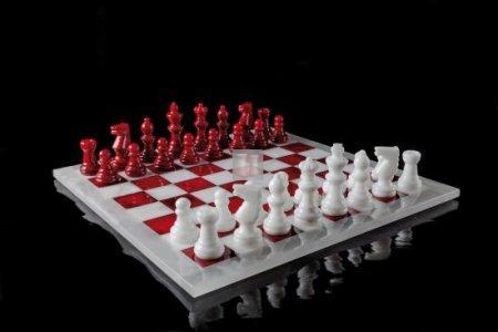 Completo in alabastro bianco/rosso cm 37x37 (solo scacchi, no scacchiera)