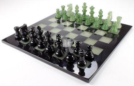Alabaster chess set black/green