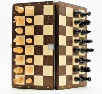 Folding wooden magnetic travel set