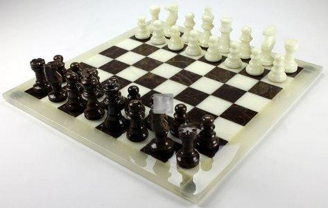 Alabaster Chess pieces brown/white King mm.78 (only pieces)