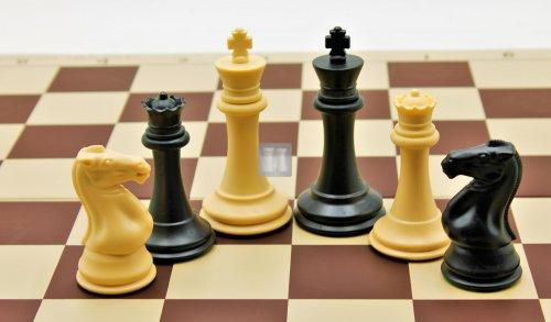 Plastic chessmen 'Staunton'; triple weighted
