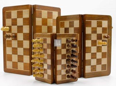 Scacchiera magnetica in legno cm 17,5 x 17,5 - 633